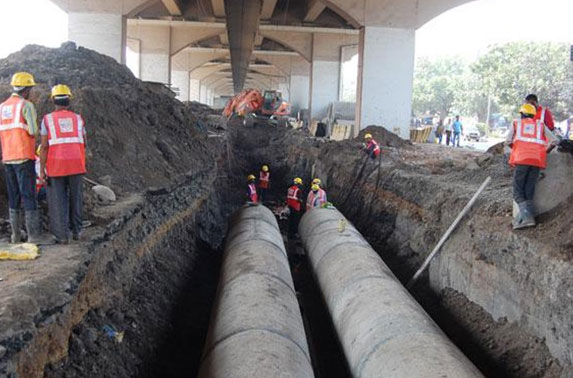 1m Dia. Twin pipe for storm water drain diversion at Santacruz Metro Station