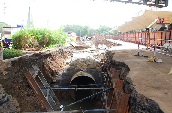 1800 mm Dia. water line diversion at CSIA Domestic Station