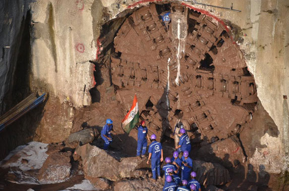 TBM Wainganga -1 breaks through the 1st tunnel at CSMIA-T2 station. An important milestone towards completing 33.5 km Metro-3 corridor