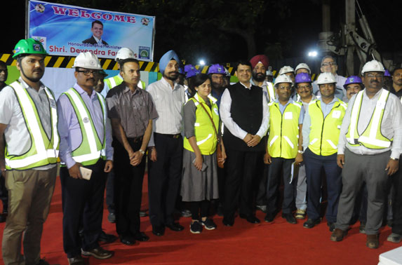 Team MMRC along with Hon'ble CM, Shri Devendra Fadnavis
