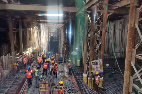 Concourse Slab Progress in Grid 20-21 at Hutatma Chowk Station