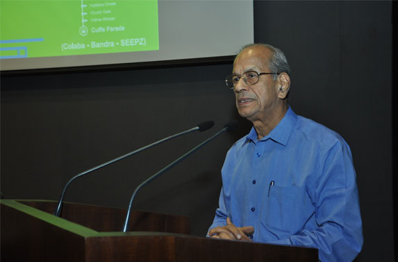 Dr. E. Sreedharan addressing the Engineers of MMRC