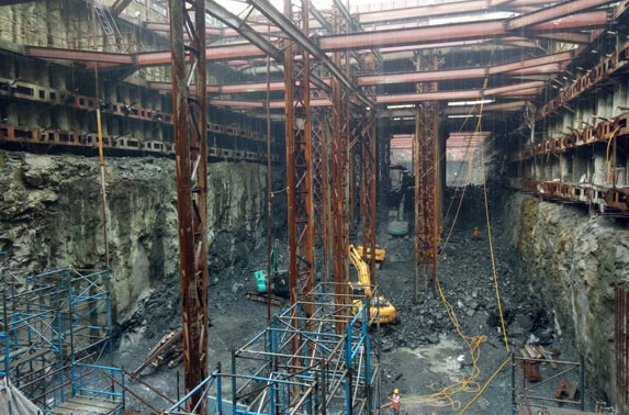 Excavation Progress in Grid 10-12 and staging work for Concourse Slab