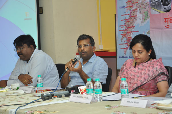 Mr. S.K.Gupta, Director (Projects) interacting with the journalists during press confrence