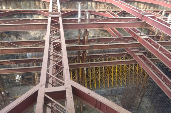 Station Chatrapati Shivaji - Concourse to Roof Wall (2nd lift)