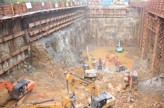 Dharavi Station - Excavation at North Shaft