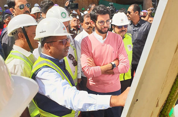 Shri Aditya Thackeray, Honorable Minister of Tourism & Environment during 25th breakthrough at Worli station of Metro line-3.