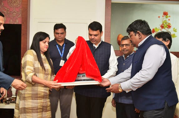 Shri Devendra Fadnavis, The Honorable CM of Maharashtra along with Ms Ashwni Bhide, MD, MMRC, during unveiling event of Rolling Stock