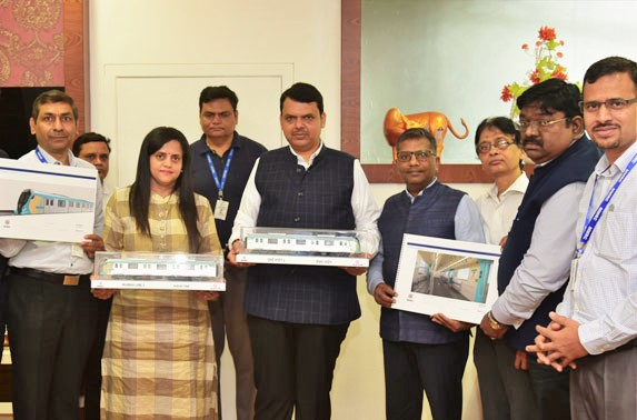 Shri Devendra Fadnavis Honorable CM of Maharashtra along with Senior Officcials of MMRC presenting Rolling Stock Design