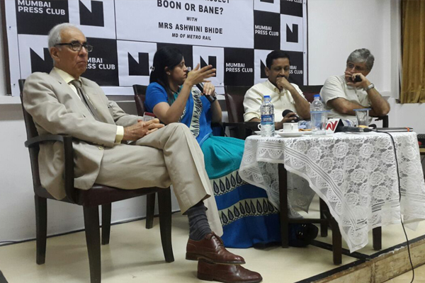 Mrs. Ashwini Bhide, MD, MMRC, (second from left) seen interacting with the members of the fourth estate at the Press Club, Mumbai.