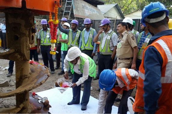 Commencement of Piling at Vidhan Bhavan Station by Chief Resident Engineer (MAPLE)