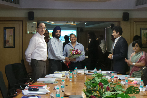 Mr. P.R.K.Murthy, Chief, Transport and Communication, MMRDA; Mr. Sitaram Kunte, Municipal Commissioner, MCGM; Mr. U.P.S.Madan, Metropolitan Commissioner, MMRDA; Mr. Shankar Agarwal, Secretary, MoUD, New Delhi; Mr. Sanjay Sethi, Additional Metropolitan Commissioner, MMRDA; Ms. Jhanja Tripathy, Joint Secretary and Financial Adviser, Dept. of Urban Development, New Delhi