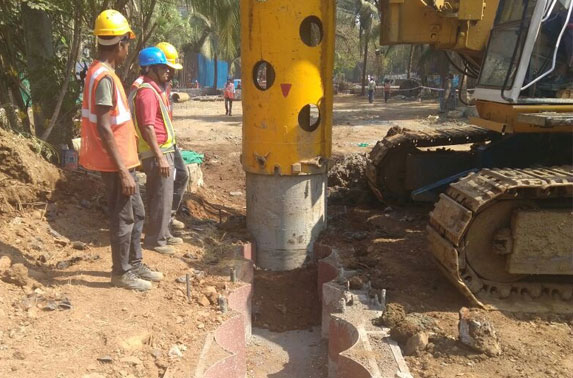 Achieving perfection by using guidewall for secant pile