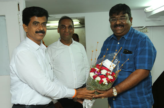 Mr. R. Ramana, Executive Director (Planning) being felicitated