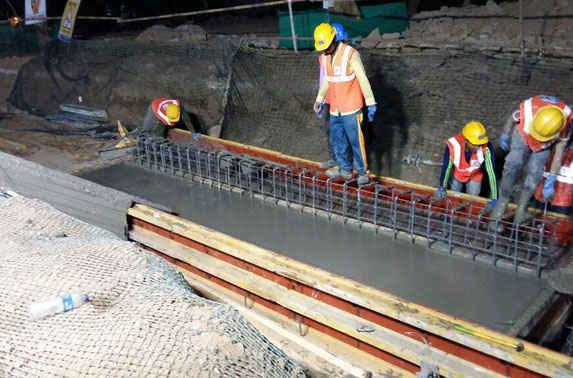 Retaining wall raft construction in MIDC